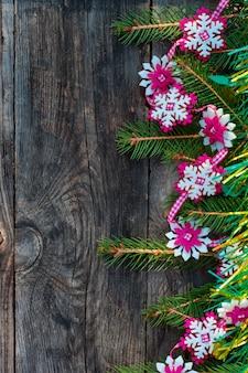 Grijze houten achtergrond voor de kerstvakantie, vintage toning