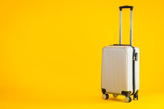 Grijze kleurbagage of bagagetas gebruiken voor transportreizen