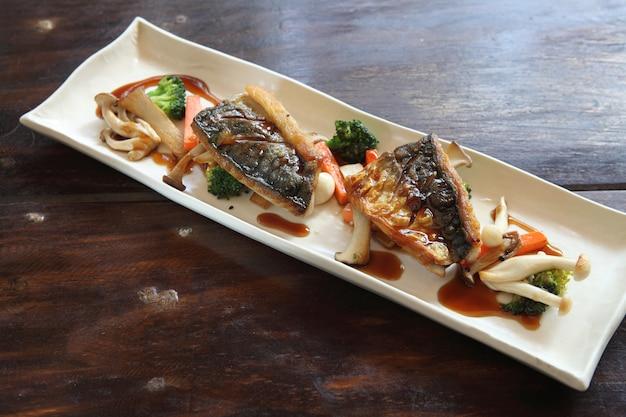 Grill mackarel vis japans eten