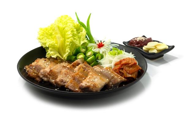 Grilled pork belly samgyeopsalgui is een extreem populaire koreaanse bbq