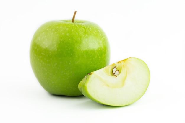 Groene appel geïsoleerd