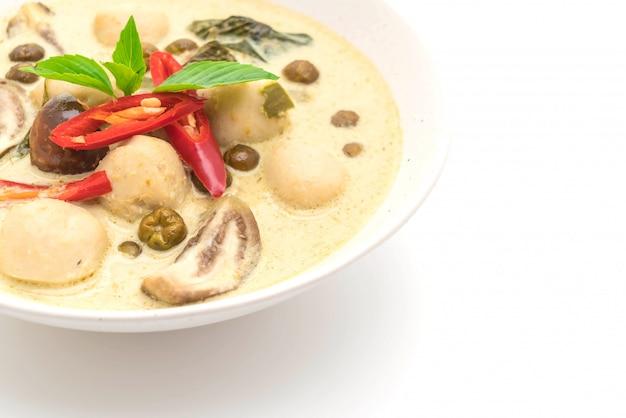 Groene curry met visbal