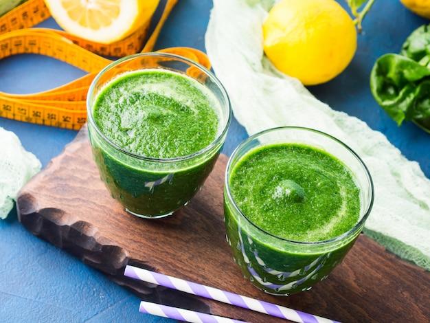 Groene detox-smoothie voor voeding