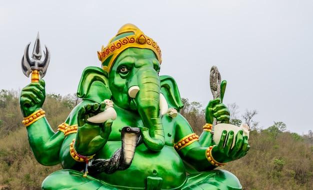 Groene ganesh heer in hindoe-tempel