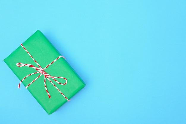 Groene geschenkdoos voor kerstdag of verjaardag