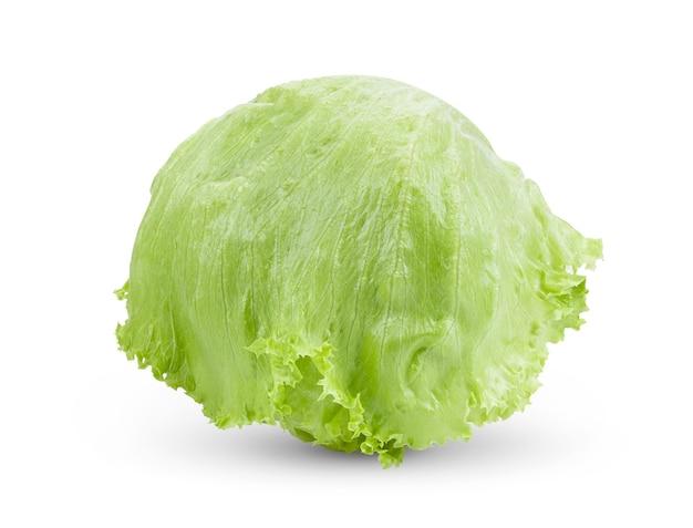 Groene ijsbergsla op witte achtergrond