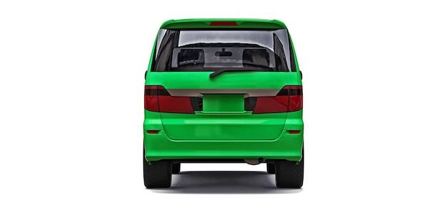 Groene kleine minibus voor het vervoer van mensen op een witte achtergrond 3d-rendering