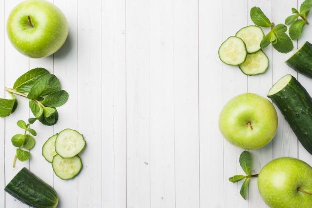 Groene komkommermunt apple op de lijst.