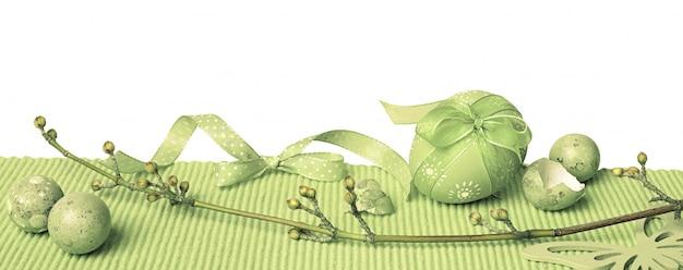 Groene pasen grens met beschilderde eieren en lente decoraties