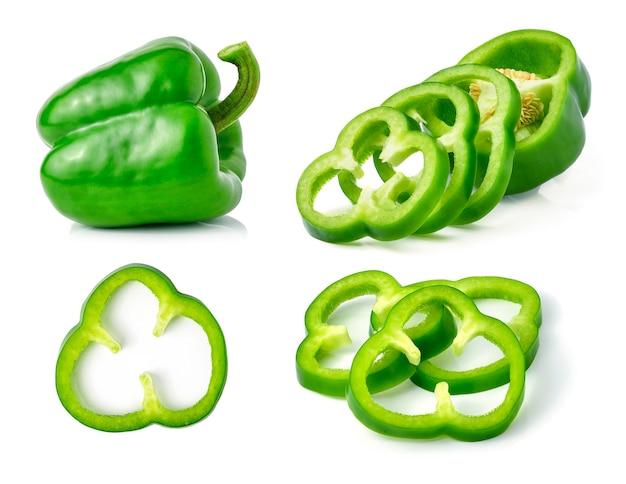 Groene peper geïsoleerd op wit.