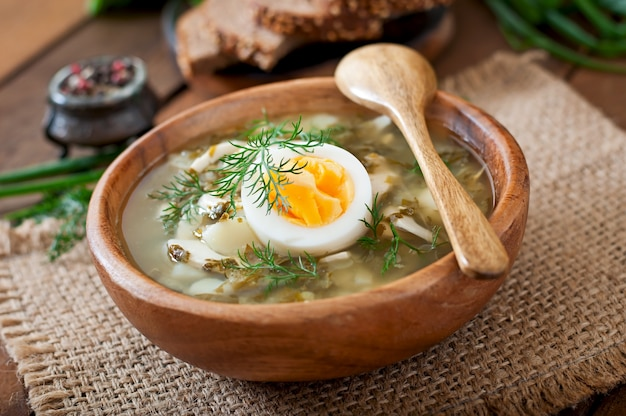 Groene soep van zuring