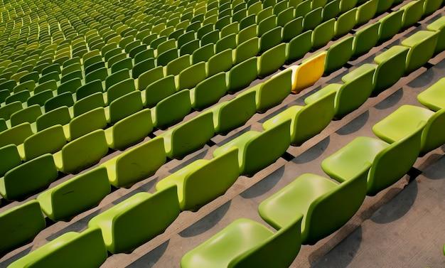 Groene stadionstoelen