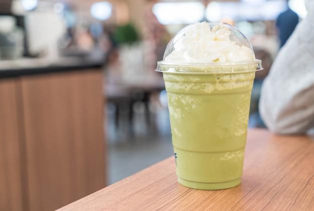 Groene thee latte frappe