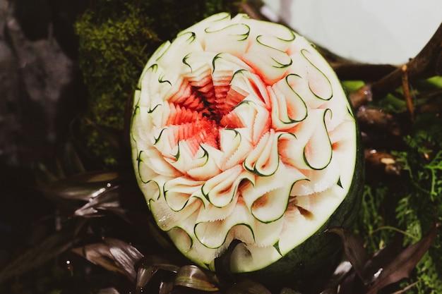 Groente en fruit snijwerk, thaise fruit snijwerk weergeven