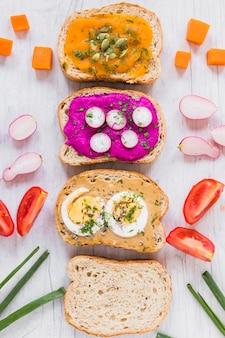 Groenten bij tartines en brood