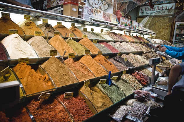 Groenten en fruit in een markt