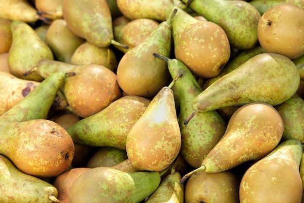 Groenten- en fruitmarkt in marbella, spanje