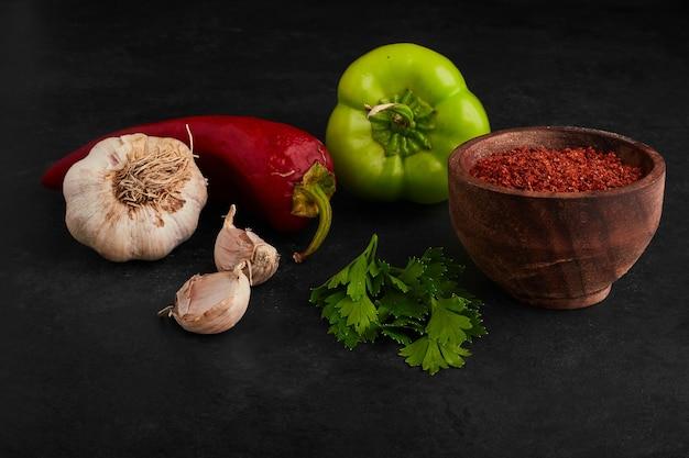 Groenten en kruiden die ervan worden gemaakt.