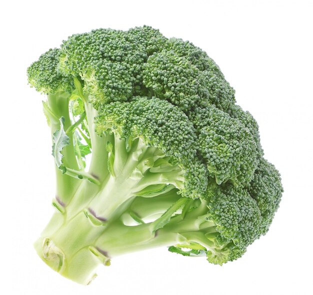 Groenten, verse broccoli op een witte muur.