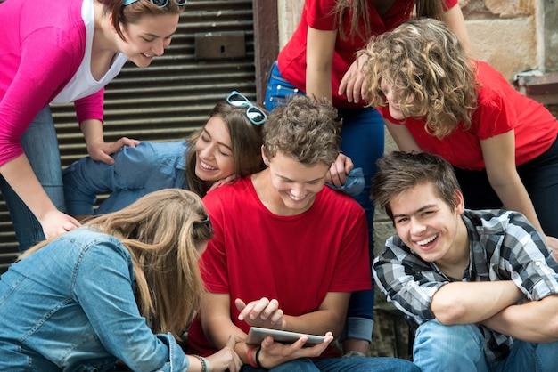 Groep coole tieners