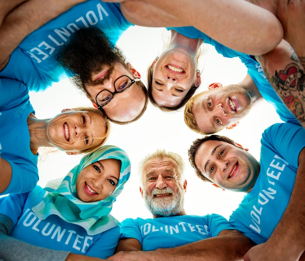 Groep diverse vrijwilligers