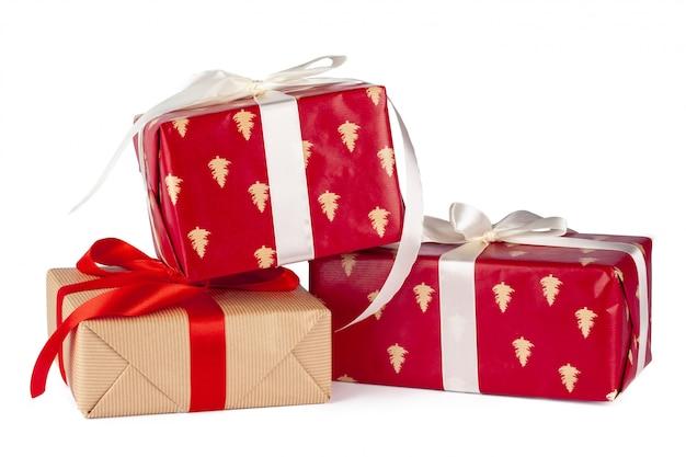 Groep geschenkdozen in ambachtelijk papier