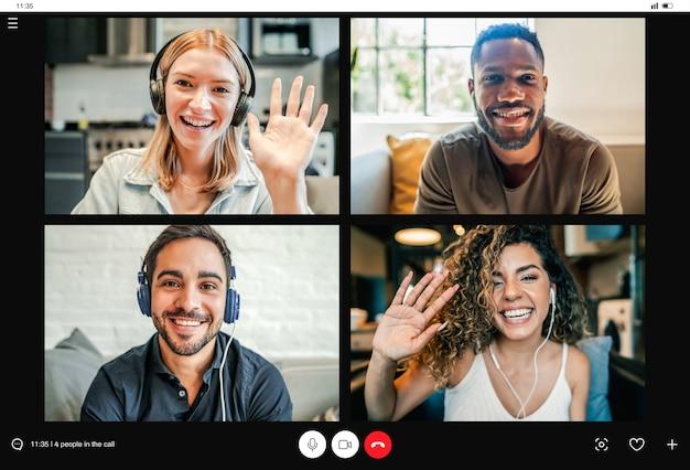 Groep mensen in een videogesprek vanuit huis.