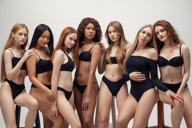 Groep mooie vrouwen, lichaamsinjectie en diversiteitsconcept