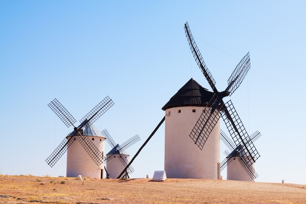Groep retro windmolens
