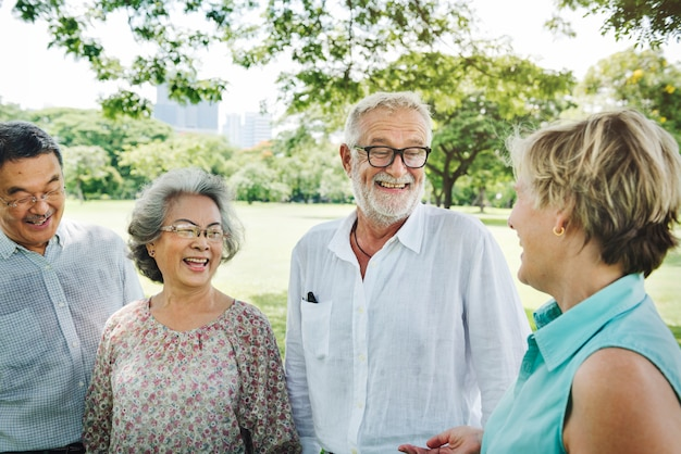 Groep senior retirement friends happiness concept