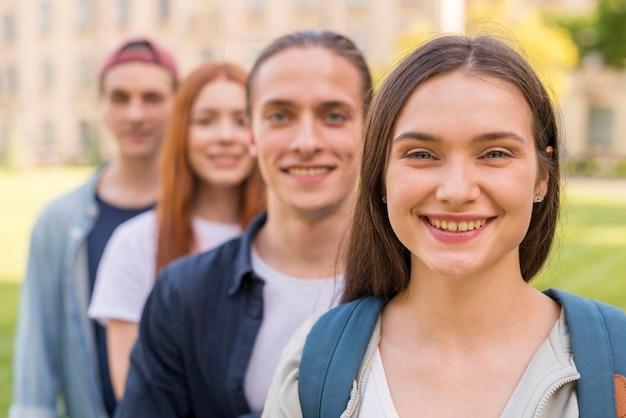 Groep studenten graag terug op de universiteit