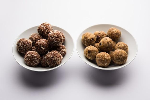 Groep van dink, gond, aliv, halim laddu, laddoo, ladu, ladoo gemaakt met behulp van tuinkerszaad en eetbare gom, zoet voedsel
