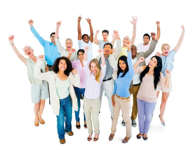 Groep van multi-etnische verschillende mensen vieren