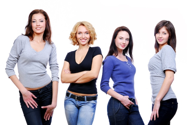 Groep van vier jonge gelukkige meisjes.