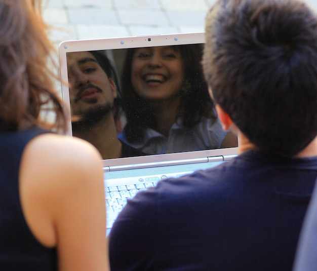 Groep vrolijke studenten Premium Foto