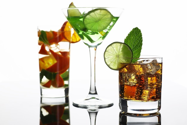 Groepscocktail cola met whisky mojito