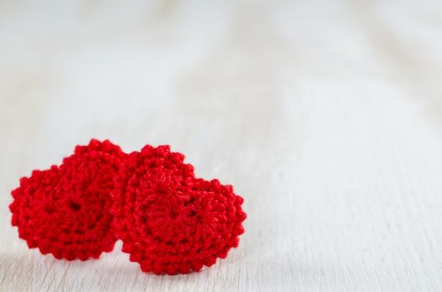 Groetkaart voor valentijnsdag met rode harten