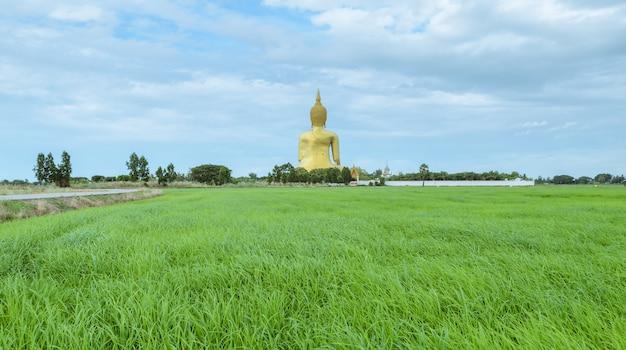 Grote boeddha van thailand, het hoogste standbeeld in thailand