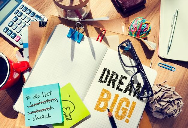 Grote droom geschreven op een notebook