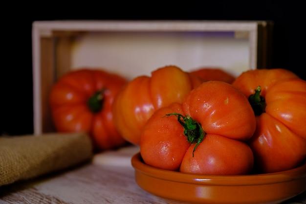 Grote en verse tomaten