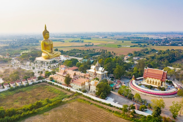 Grote het standbeeldtempel van boedha in thailand