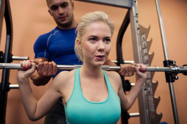 Grote inspanning tijdens squat-oefeningen