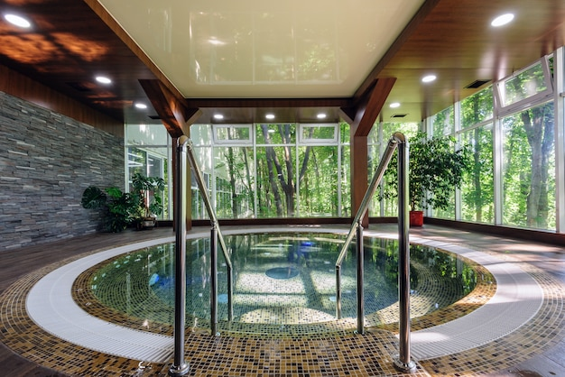 Grote luxe hot tub
