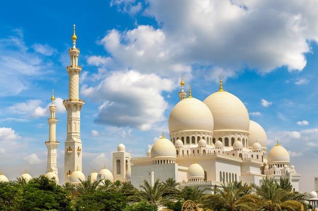 Grote moskee sheikh zayed in abu dhabi in verenigde arabische emiraten