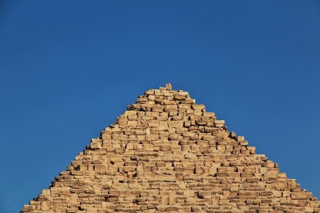 Grote piramides van het oude egypte in gizeh, caïro