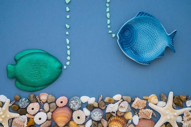 Grote samenstelling met blauwe en groene vis