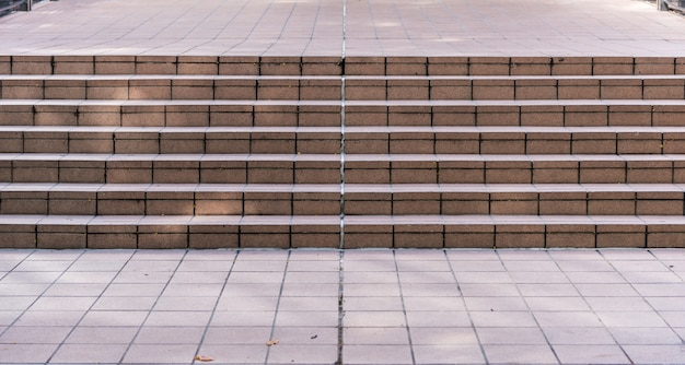 Grote stenen trap vaak gezien bij het bouwen