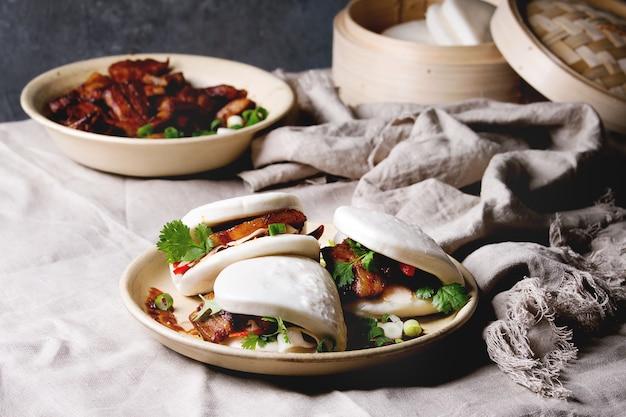 Gua bao-broodjes met varkensvlees