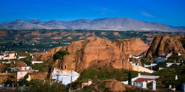 Guadix dorpshorizon in granada, spanje