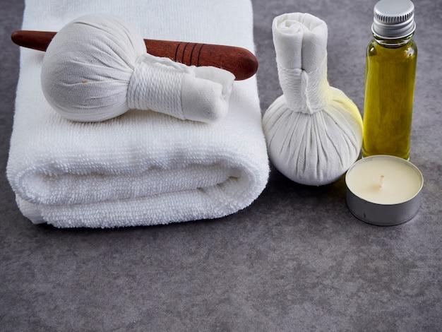 Guasa-hout en massageolie. spa